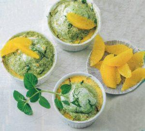 Orangenpudding mit Kräuterbaiserhaube