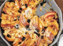 Süsser Apfelstapel aus dem Ofen