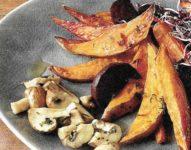 Blechkartofeln mit Gemüse
