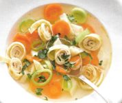 Pfannkuchen Suppe