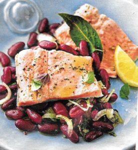 Salat mit Lachsforelle und Kidneybohnen